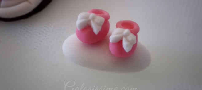 Confetti decorati con scarpe in pasta di zucchero per battesimo, compleanno, matrimonio, anniversario, laurea o evento speciale.